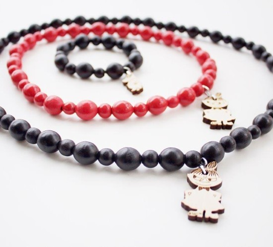 Moomin wooden jewellery set black, red